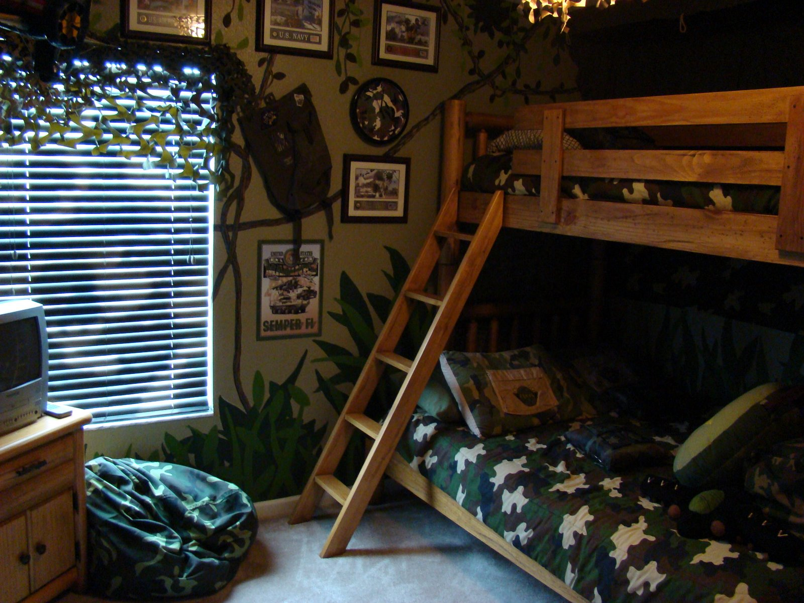 Accomodations for Camo kids bedroom ideas