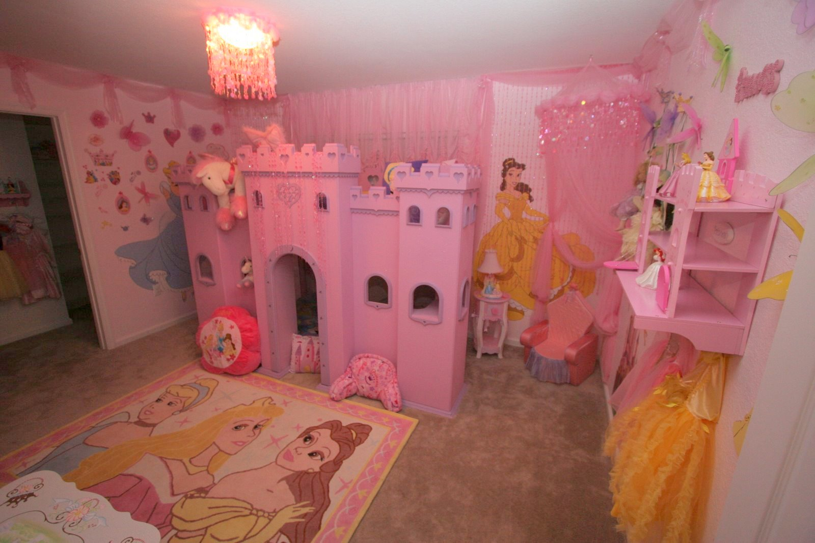 1000 images about girls bedroom on pinterest princess for Princess bedroom