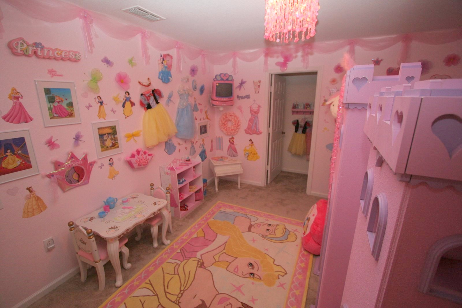 pics photos disney princesses bedroom